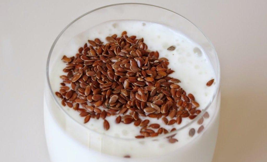 Семя льна в йогурте