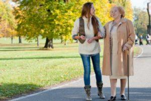 Прогулка после приема пищи способствует улучшению пищеварения