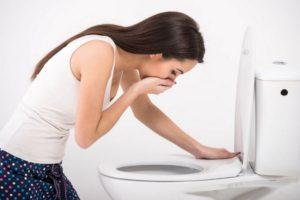 Приступы тошноты - один из общих симптомов хронического гастрита