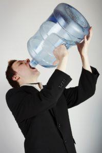 Жажда - частое проявление алкогольного гастрита